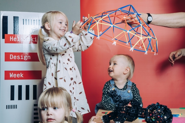 Kids playing at Helsinki Design Week. Photo: Aleksi Poutanen, Helsinki Design Week