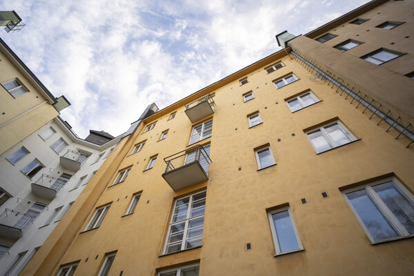 A housing company on Kivelänkatu reduced their heating costs with the help of an energy renovation. (Fotographer: Jussi Rekiaro)