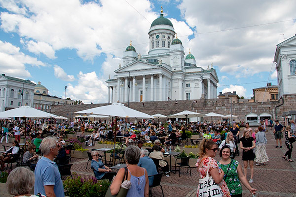 Thousands descended on Helsinki's Senate Square for al fresco dining in August 2020.